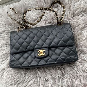 💯 % authentic Chanel flap